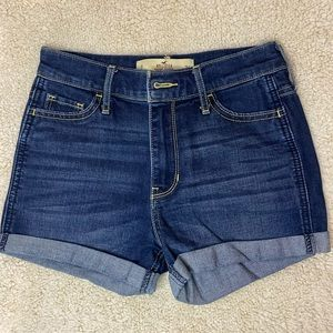 Hollister- High Rise Jean Shorts, SIZE: 0